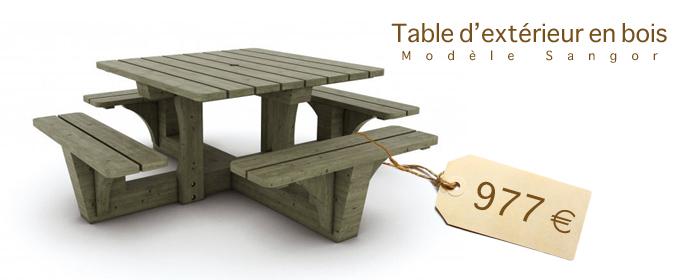 Table en bois d'extérieur